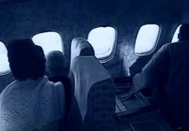 Однако весь план сорвали показавшиеся в иллюминаторе советские солдаты: Овечкины поняли, что их обманули. Братья потребовали немедленно взлетать, попытались выломать дверь кабины пилотов, угрожая начать убивать пассажиров.