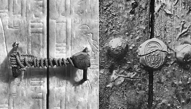 К концу следующего дня, когда была расчищена целая лестница, ведущая вниз, археологи обнаружили замурованную дверь. На ней сохранились отпечатки государственной печати - знак захоронения знати.Это случилось 4 ноября 1922 года. На фото: входная дверь в гробницу