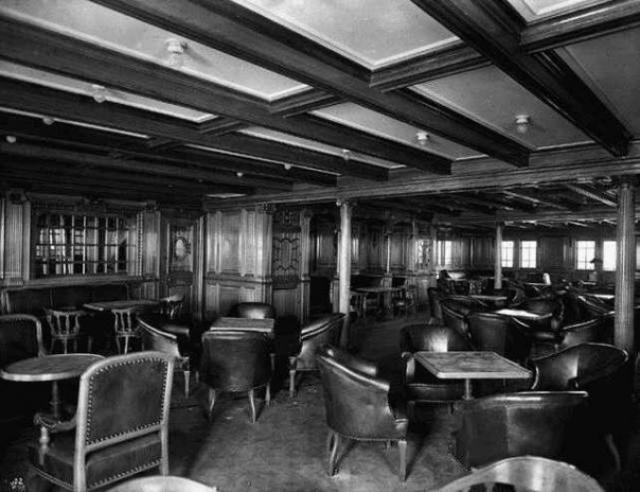 """Второй класс в основном был занят представителями средних слоев. В первом плавании """"Титаника"""" это были прежде всего британские инженеры, торговцы, представители духовенства, журналисты, врачи."""