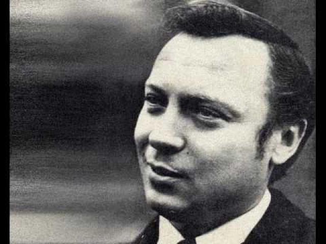 Вход на Центральное телевидение был для певца закрыт после прихода в 1970 году на пост председателя Гостелерадио СССР Сергея Лапина, который вел политику против некоторых исполнителей по антисемитским соображениям.