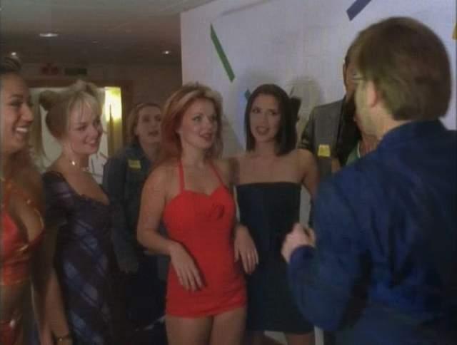 """Spice Girls. Снятый в 1998 году фильм """"Спайс Уорлд"""" завоевал единственную награду - но назвать это достижением сложно, так как это была победа в премии """"Золотая малина""""."""