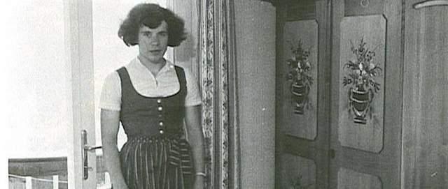 Шинеггер в 1968 году завершила карьеру, сделала операцию по перемене пола, став Эриком.