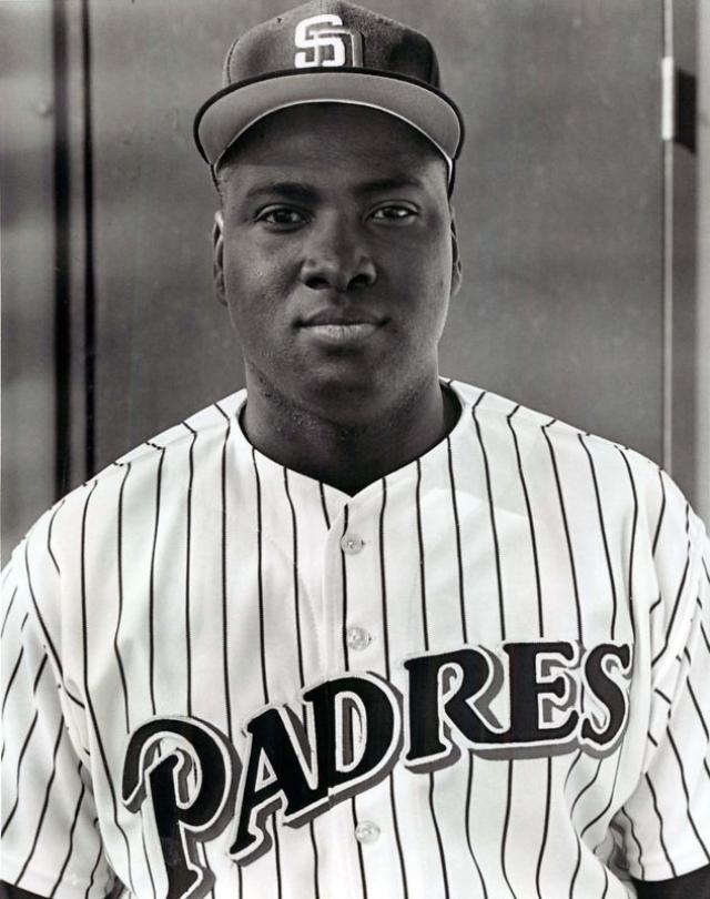 Тони Гвинн. Профессиональный бейсболист блистал в течение 20 сезонов.