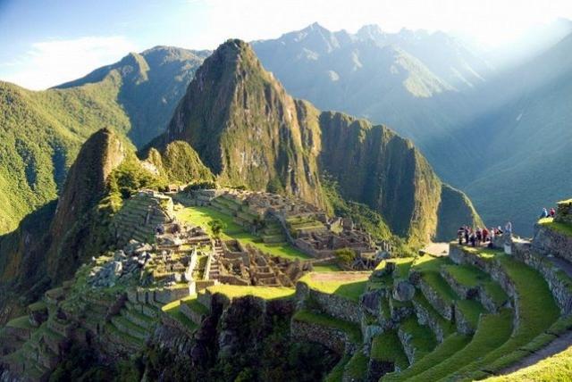 Колоссальные постройки были возведены около 1440 года. После крушения империи инков город утратил свое значение, и жители покинули его навсегда.