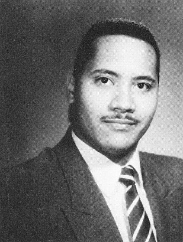 Дуэйн Джонсон. В детстве будущий спортсмен и актер был полноват, а в юности носил еще и странные усики.