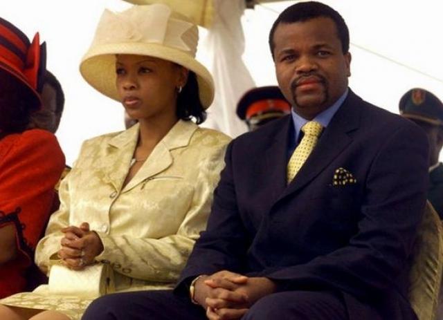 Именно этот африканский лидер в 2001 году вернул на официальных основаниях древнюю традицию – девушки должны хранить целомудрие до 21 года. Штраф - корова. Причем, год спустя король взял в жены 18-летнюю девушку и сам уплатил штраф.