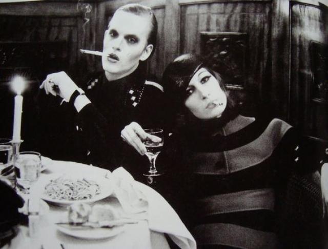 Ее фото постоянно появлялись в Harper's Bazaar и другом глянце, активно участвовала в показах от Valentino до Yamamoto.