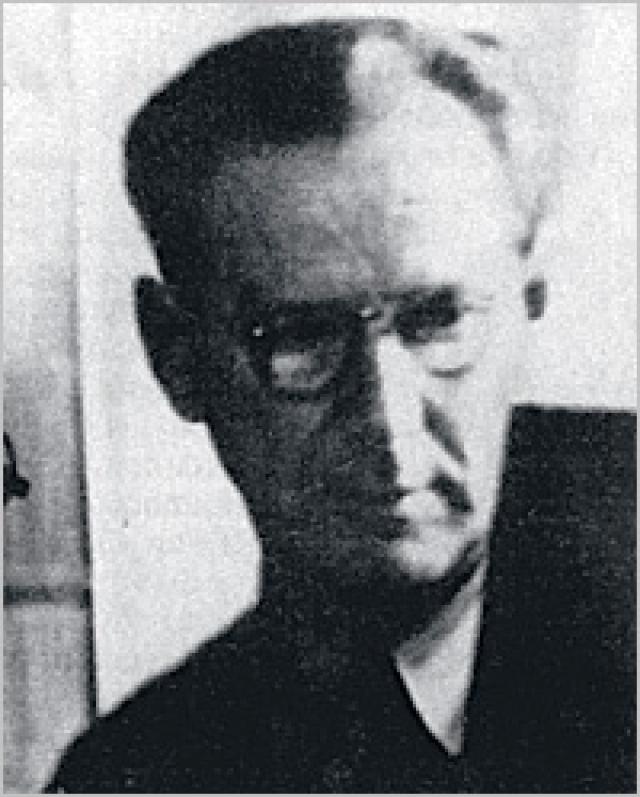В 1934 году Остап уехал в Челябинск помогать своему другу, директору тракторного завода, которого в 1937 арестовывают сотрудники НКВД. Остап затевает с ними драку, за что попадает под арест, однако, выпрыгивает в окно из кабинета следователя и сбегает.