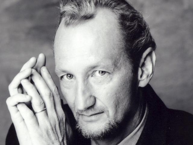 Культового злодея сыграл актер Роберт Инглунд.
