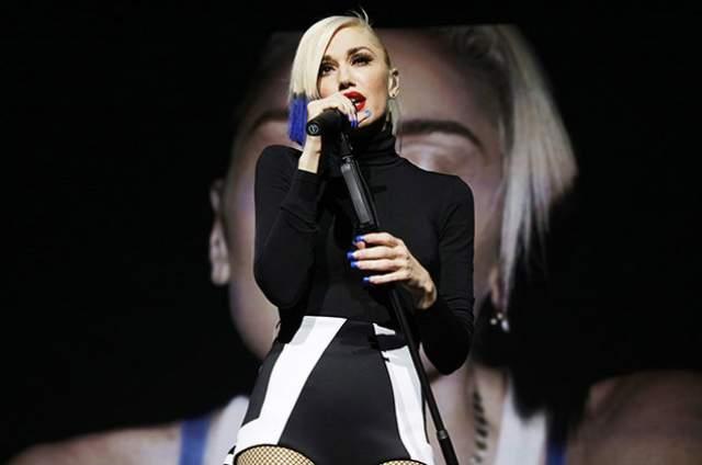"""В 2000 году певица решила развиваться сольно и записала вместе с Моби сингл """"South Side"""", а в 2001-м — совместно с Ив сингл """"Let Me Blow Ya Mind"""", который принес ей """"Грэмми""""."""