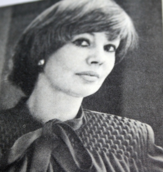 Есть несколько версий ее кончины. По официальной, Регина Збарская умерла в психиатрической клинике 15 октября 1987 года.