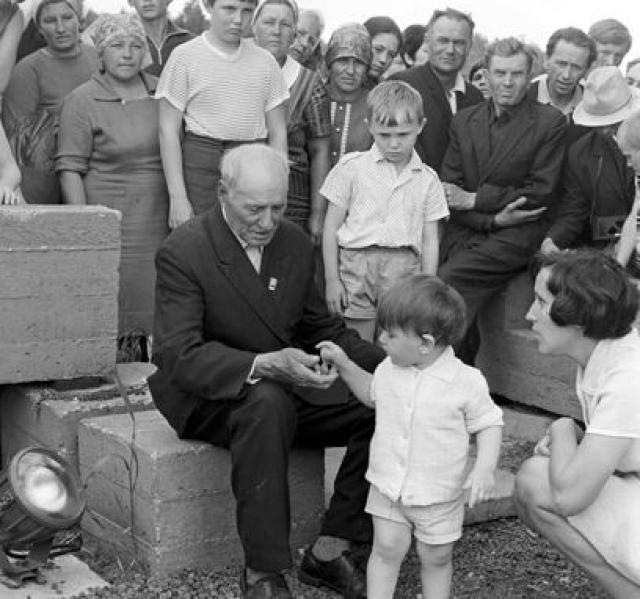 Иосиф Каминский не дожил до наших дней, он скончался в 1973 году.