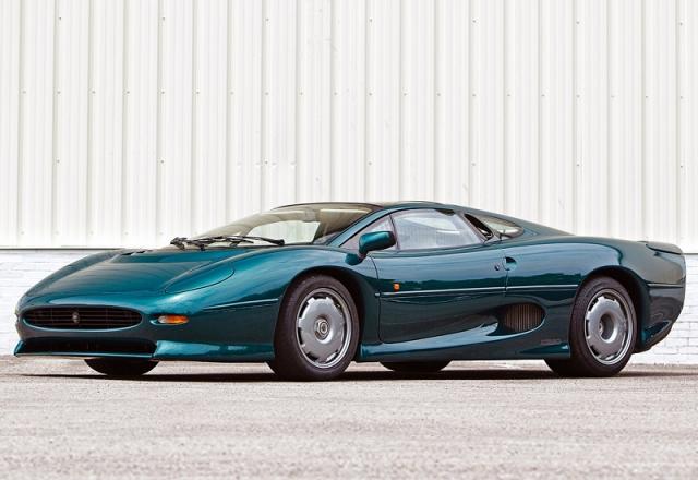Jaguar XJ220 3.5 litre V6 AWD - $1 150 000. Авто был воплощен как первый суперкар для каждодневного пользования легендарной фирмы с туманного альбиона.