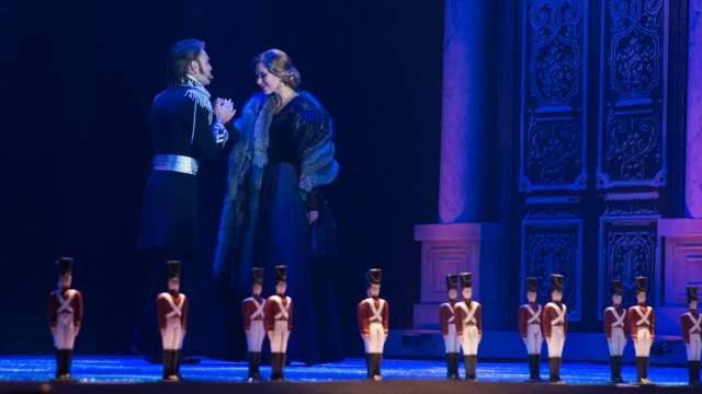 В 2003 году опера вошла в книгу рекордов Гиннесса как мюзикл, максимальное количество раз сыгранный одним коллективом (на момент регистрации рекорда спектакль исполнялся 2350-й раз).