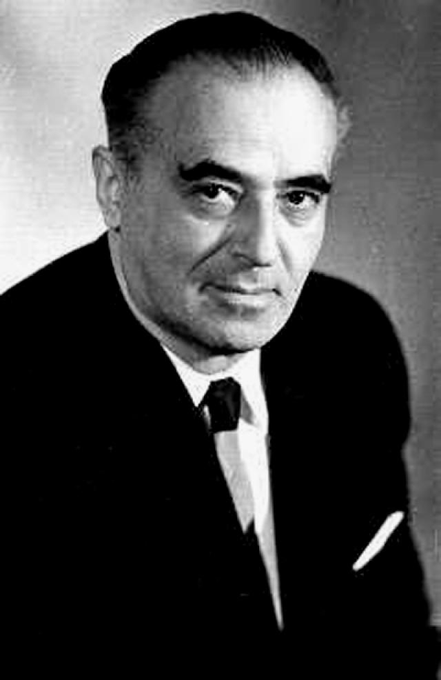 Этуш Владимир Абрамович (род. 1922).