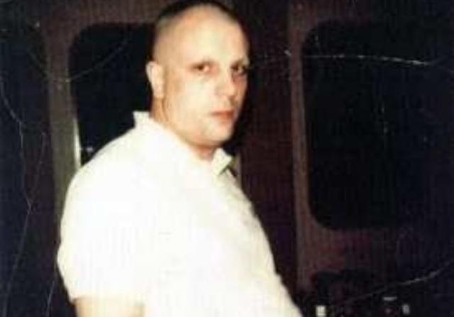 С уходом из группы бывшего секс-символа стало невозможно узнать: он ужасно растолстел, обрил голову и брови...