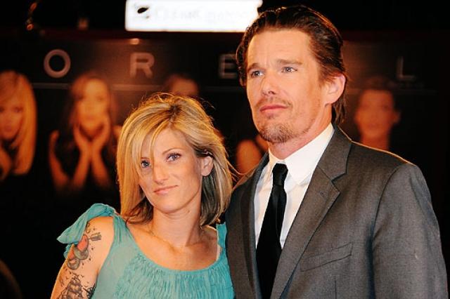Райан Шохьюз как раз наняли в качестве няни. Миловидная блондинка вскружила голову актеру. Итан и Райан поженились в 2008 году, при этом невеста была уже на седьмом месяце беременности. В 2011-м у пары родилась еще одна девочка - Индиана.