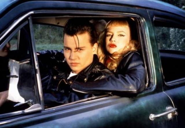 """А этот факт мало кому известен: в первой половине 90-х Джонни был также связан с молодой порнозвездой Трейси Лордз – той самой красоткой-оторвой из легендарного фильма """"Плакса"""", где Депп сыграл главную роль."""