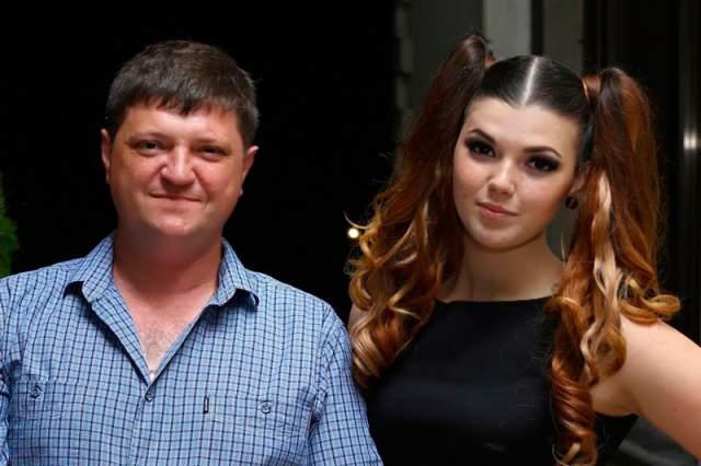 Со своим супругом Виталием Ольга познакомилась еще в студенчестве, а поженились они в 1997 году.