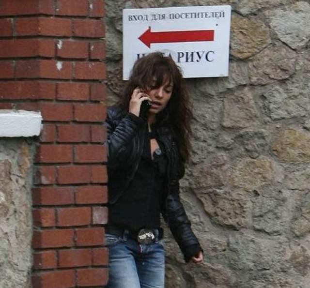 Светлана Светикова. Авто певицы остановили на Садовом кольце для проверки документов, а инспектор заметил странности в ее поведении и запах алкоголя.