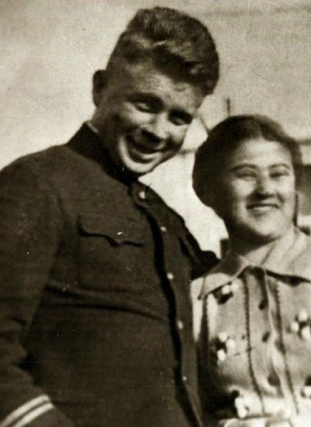 Получил ли Маринеско эти деньги, пришлось ли ему возвращать разницу не известно, но был нанесен сильнейший удар по престижу офицера-подводника.