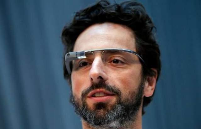 Поворотным моментом в жизненном пути Сергея Брина стал март 1995 года, когда он познакомился с будущим со-основателем Google - Ларри Кейджем. Вскоре обнаружилась их общая заинтересованность проблемой извлечения данных из больше информационных массивов.