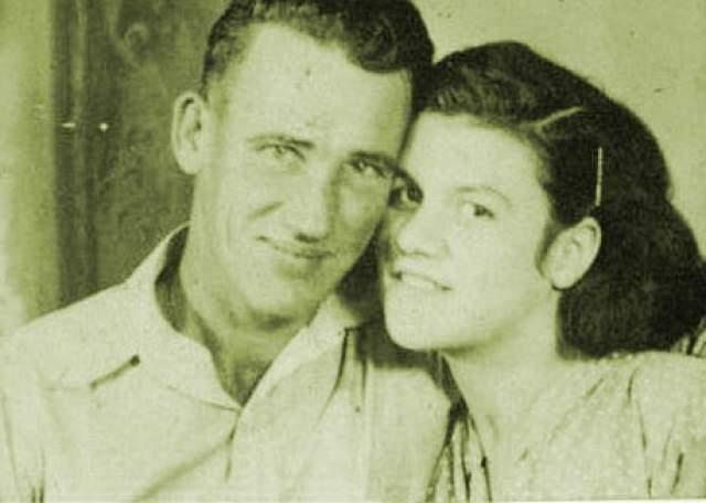 Фэй и Рэй Копленд. Эти ребята в 90-х стали самой старой парой Америки, приговоренной к смерти. 76-летнего Рэя и 69-летнюю Фэй обвинили в убийстве пяти человек. Пожилая пара покупала скот, чтобы перепродать его подороже и поделиться долей с первым владельцем. Но Рэй убивал владельцев скота, чтобы не делиться кушем.