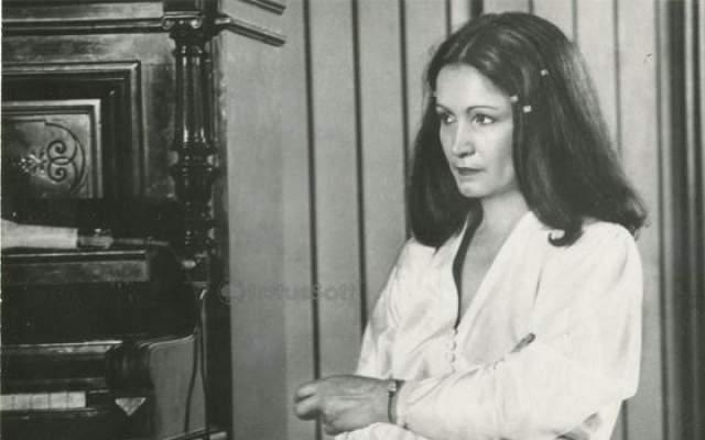 Во времена СССР во всех женских журналах обязательно встречались письма читательниц, которые просили редакцию раскрыть секрет молодости Софии Ротару.