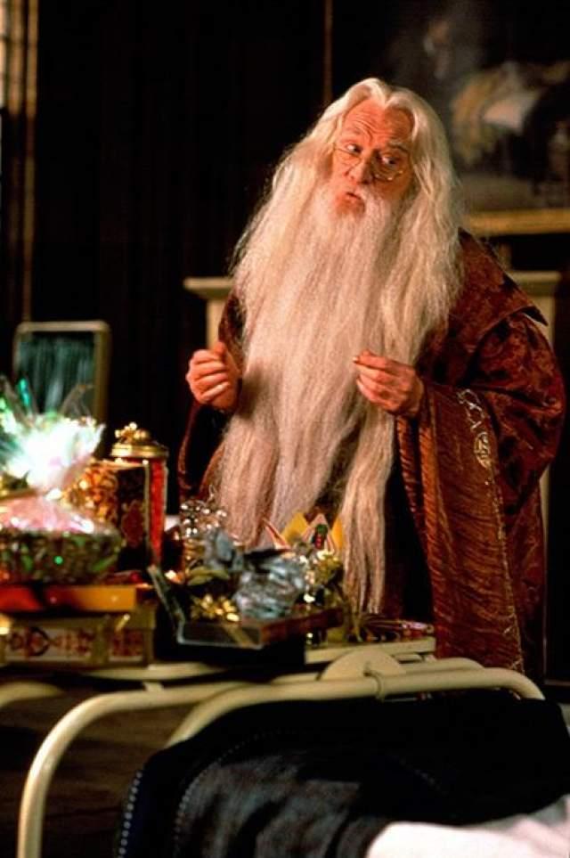 Гарри Поттер и тайная комната (2002) Роль Альбуса Дамблдора пришла к актеру Ричарду Харрису на закате карьеры.