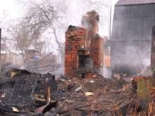 При пожаре под Новосибирском сгорели пятеро детей: их отец с подругой спаслись