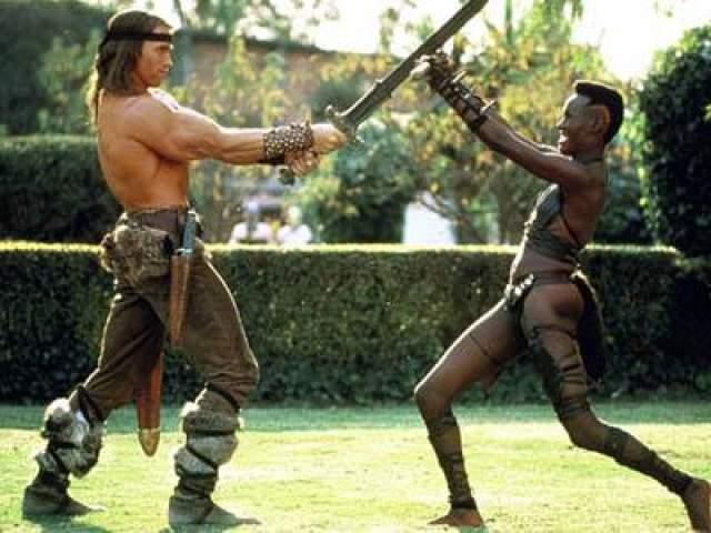 1984 год : фильм «Конан-разрушитель», на фото - с Грейс Джонс