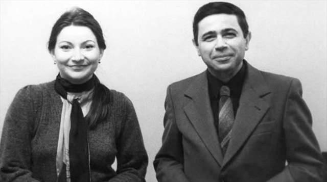 Елена и Евгений познакомились еще в 1979 году, хотя поженились и намного позже. А 4 июля 2018 года стало известно, что Степаненко подала гражданский иск о разводе и разделе совместно нажитого имущества супругов.