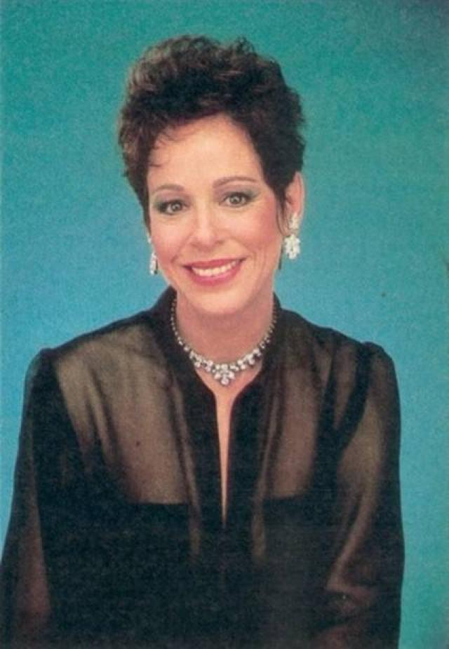 Луиз Сорель (Августа Локридж). За свою пятидесятилетнюю карьеру, Сорель в общей сложности появилась в более восьмидесяти телепроектах.