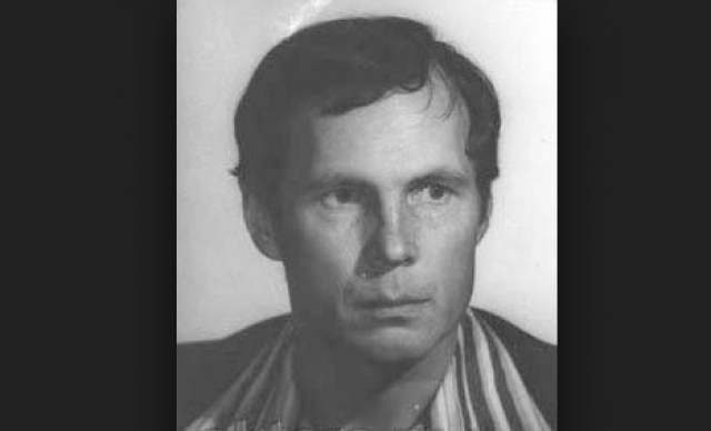 Владимир Гостюхин. Родился будущий актер 10 марта 1946 года в Свердловске, но увлекшись театром, уехал в Москву, где окончил Государственный институт театрального искусства им. А. В. Луначарского в 1970.