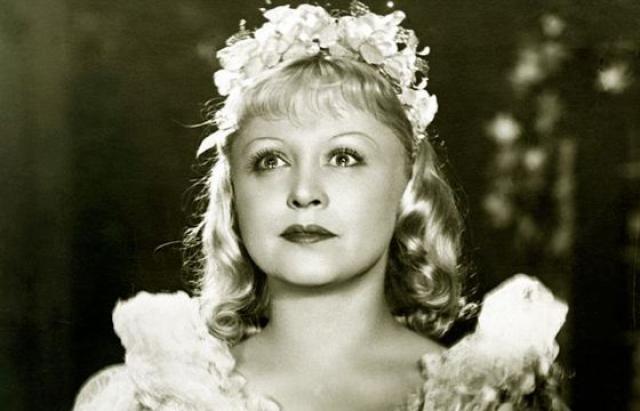 Янина Жеймо. Огромную известность актрисе принесла роль Золушки в послевоенном одноименном фильме Н. Н. Кошеверовой.
