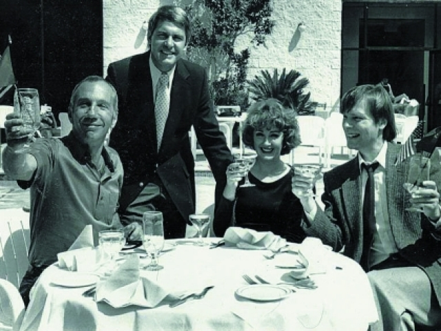 В Голливуде Крамаров разыскал Олега Видова и вскоре стал получать предложения.