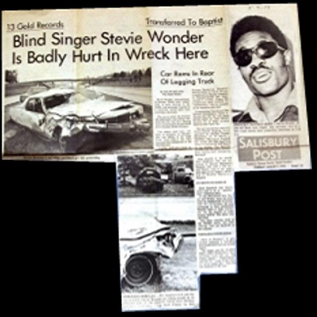 6 августа 1973 года Стиви попал в серьезную автокатастрофу во время своего турне в Северной Каролине.