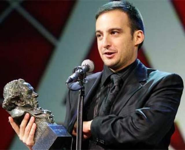 """В сентябре 2004 года в журнале """"Shangay"""" открыто объявил о своей гомосексуальности актер, режиссер и сценарист Алехандро Аменабар, широко известный российскому зрителю по кинокартине """"Море внутри"""" (2004)"""