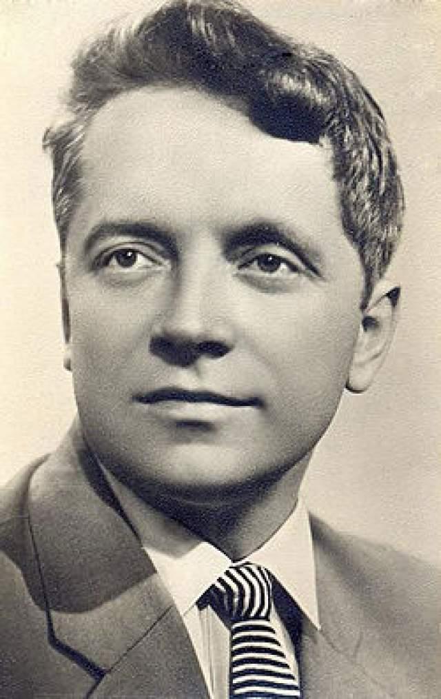 """Юрий Белов, 1930-1991. До 70-х Белов был одним из самых популярных советских актеров. После выхода фильма """"Карнавальная ночь"""" он проснулся знаменитым. Типаж """"простого парня"""" был в те времена очень востребованным, и ему поступало много новых предложений от режиссеров. Но однажды на своей успешной кинокарьере ему пришлось поставить крест."""