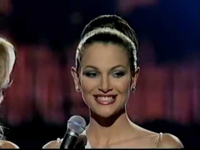 """Эва Эквалл (1983-2011). В 2000 году Эва получила титул """"Мисс Венесуэла"""" и участвовала в конкурсе """"Мисс Вселенная"""" в следующем году. Позже работала телеведущей, писала книги."""