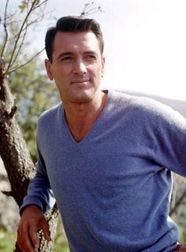 Актёр скрывал эту информацию от близких, в том числе и от своего последнего партнёра Марка Кристиана, с которым продолжал поддерживать самые близкие отношения до февраля 1985 года. 2 октября 1985 Хадсон скончался во сне.