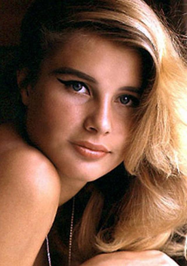 Девушка впервые позировала обнаженной для Playboy, когда ей было всего 17.