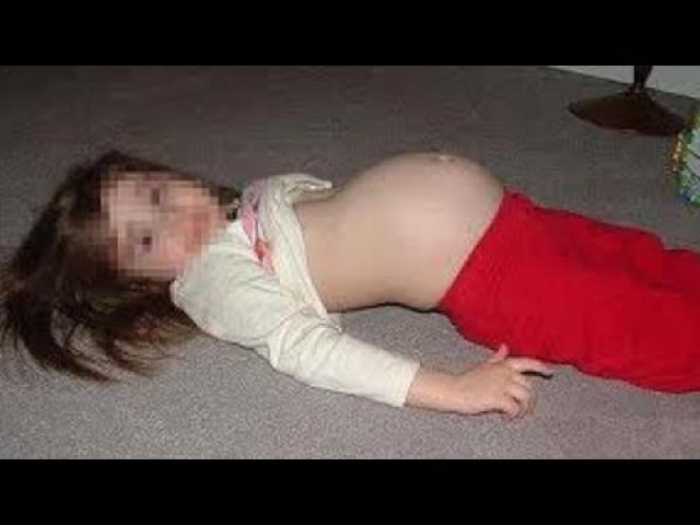 10-летняя боливийка родила 2,5-килограммовую девочку кесаревым сечением в госпитале Буэнос-Айреса, 25 сентября 2007. 28-летний виновник был арестован.