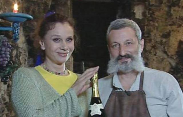 Замужем актриса была дважды. Первый брак был заключен в студенчестве и быстро распался, оставив ее с малолетним сыном на руках. Второй супруг актрисы - художник Сергей Цигаль, от которого она родила дочку Машу.