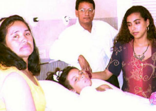 9-летнюю Эрику Дельгадо , летевшую вместе с родителями и с младшим братом, выбросило из самолета в тот момент, когда он начал разваливаться на части. Девочка рассказывала потом, что из лайнера ее вытолкнула мать.