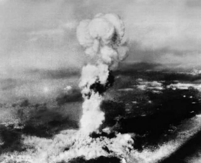 Здесь, в Нагасаки, погибли по общим данным от 60 до 80 тысяч человек.