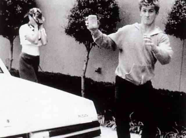 Супруг Мадонны не единожды лежал в клиниках, лечась от алкоголизма, и регулярно постоянно попадал в полицию за драки с папарацци. Стоило ему увидеть, что кто-то приближается с фотоаппаратом к Мадонне, как Пенн уже не мог контролировать кулаки.