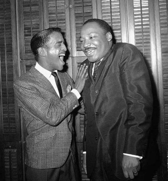 Сэмми Дэвис-младший и Мартин Лютер Кинг-младший