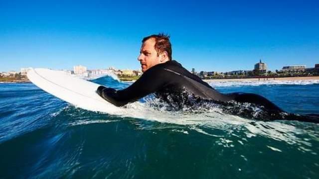 Серферс, пережившему нападение акулы, медики сохранили оторванную руку. Тридцатитрехлетний Гленн Оргиас был атакован большой белой акулой во время серфинга возле побережья Сиднея.