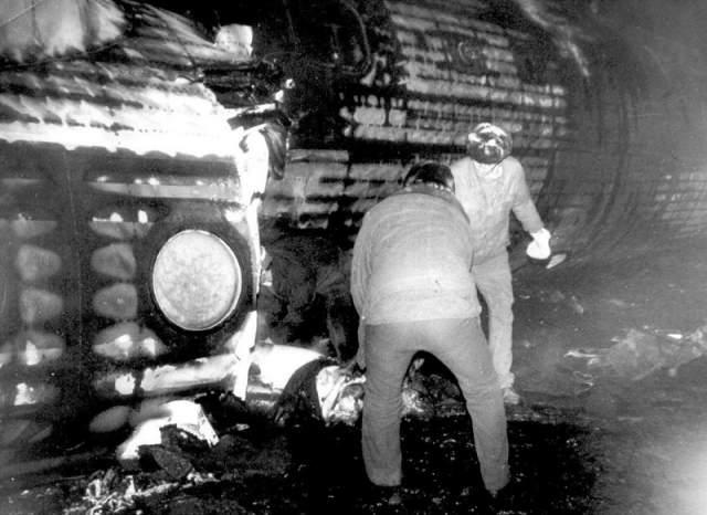 В общей сложности погибло 58 человек: они отравились продуктами горения, так и не сумев отстегнуться и выбраться из-под обломков пылающего самолета. Еще 12 человек по той же причине скончались позже в больнице. Среди низ был и второй пилот..